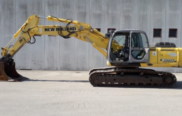 NEW HOLLAND KOBELCO E215B